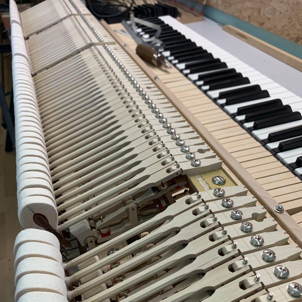 Pianovox zongora javítás hangolás